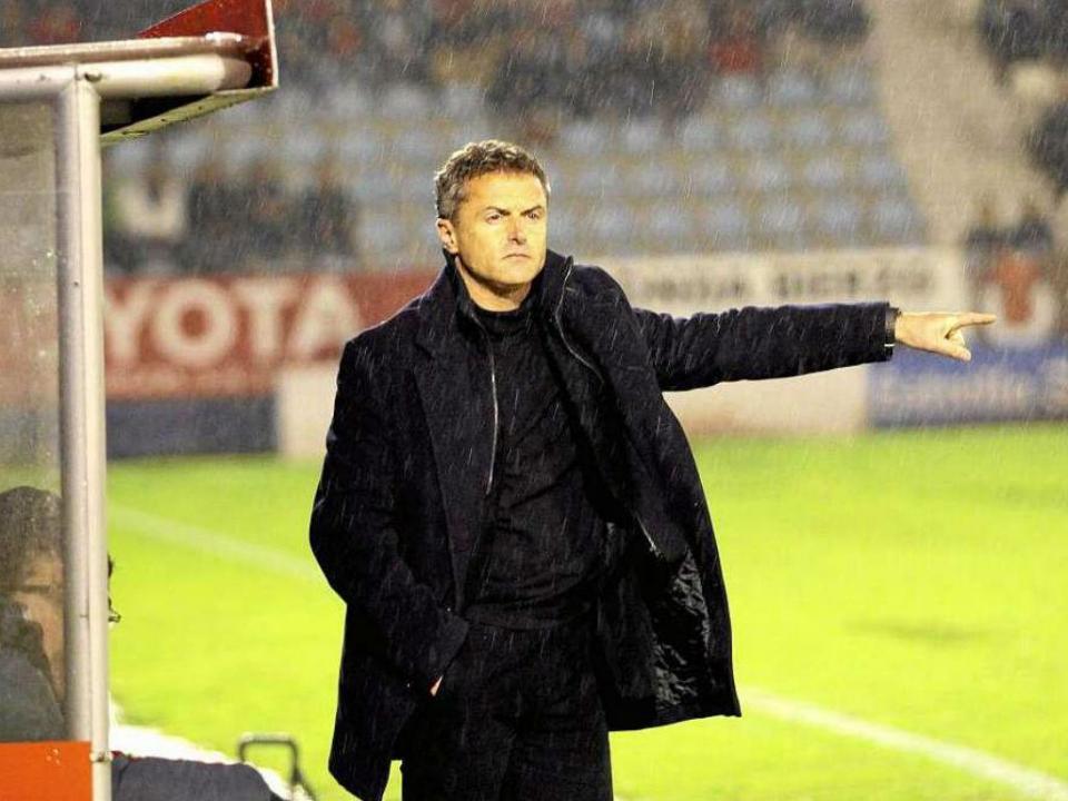 Villarreal renova com ex-adjunto do Benfica por mais uma época