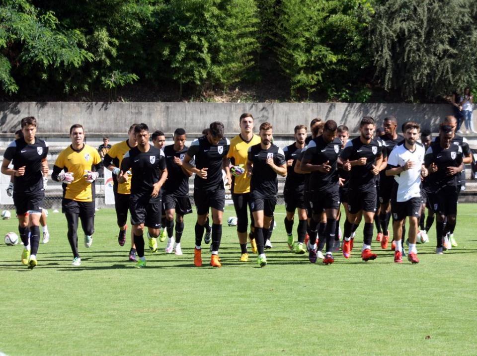 V. Guimarães: Pedro Brito e Jorge Silva orientaram treino
