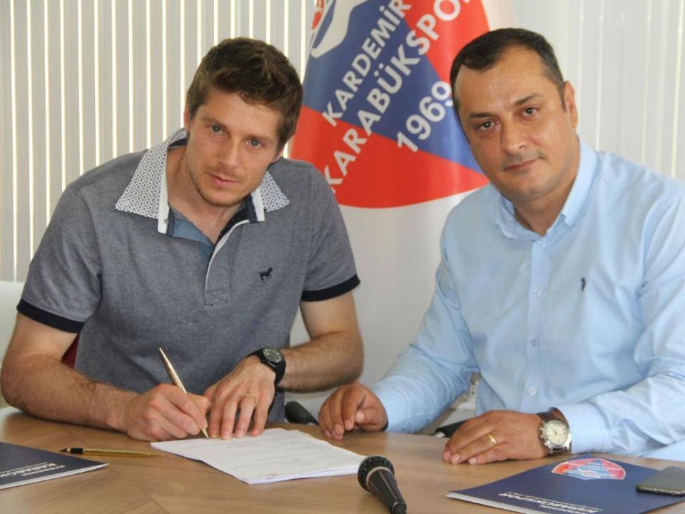 OFICIAL: Adriano Facchini vai jogar no Karabukspor