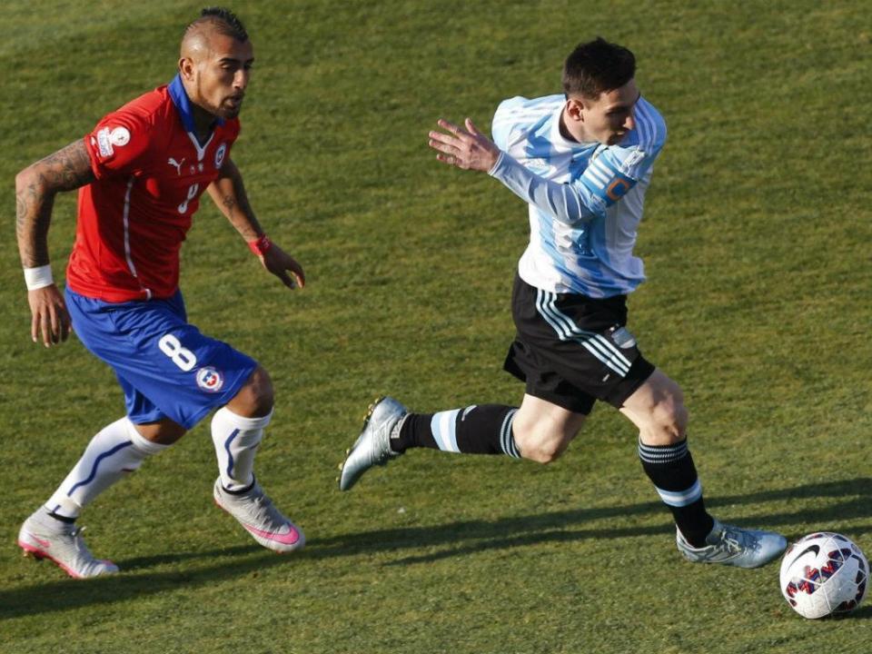 Vidal esclarece: «Cada vez que me chamem estarei à disposição da Seleção»