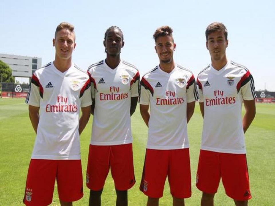 b8a8c8aff2 Benfica inscreve Raphael Guzzo