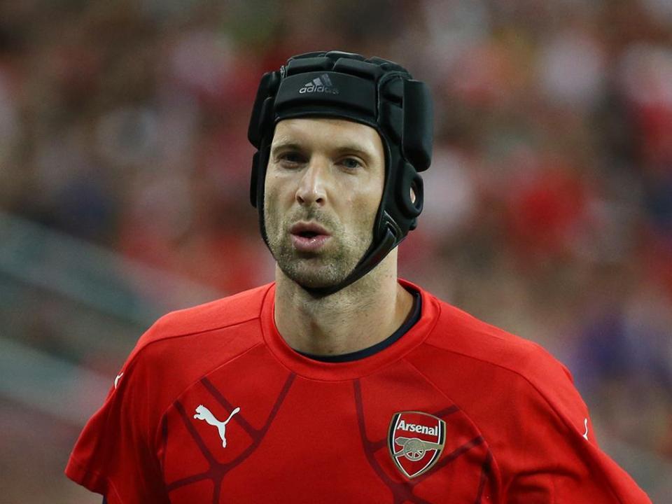 Arsenal: Cech de fora cerca de um mês