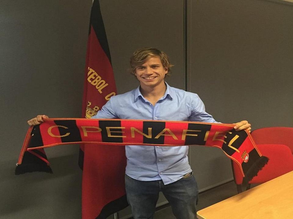 II Liga: Caetano é reforço do Penafiel