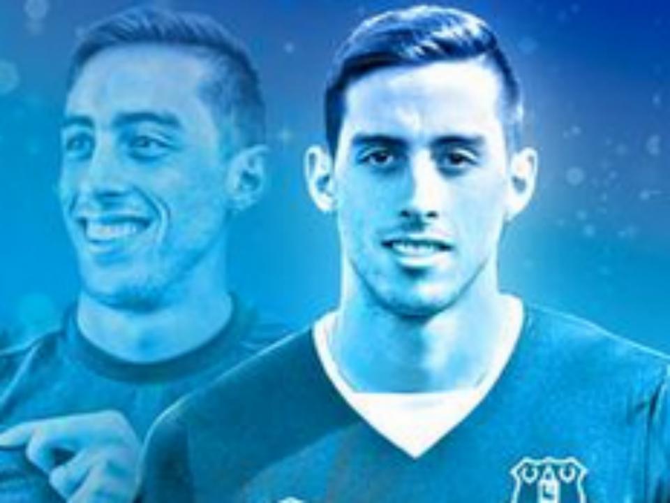 Gémeo de ex-Benfica contratado para o centro da defesa do Villarreal