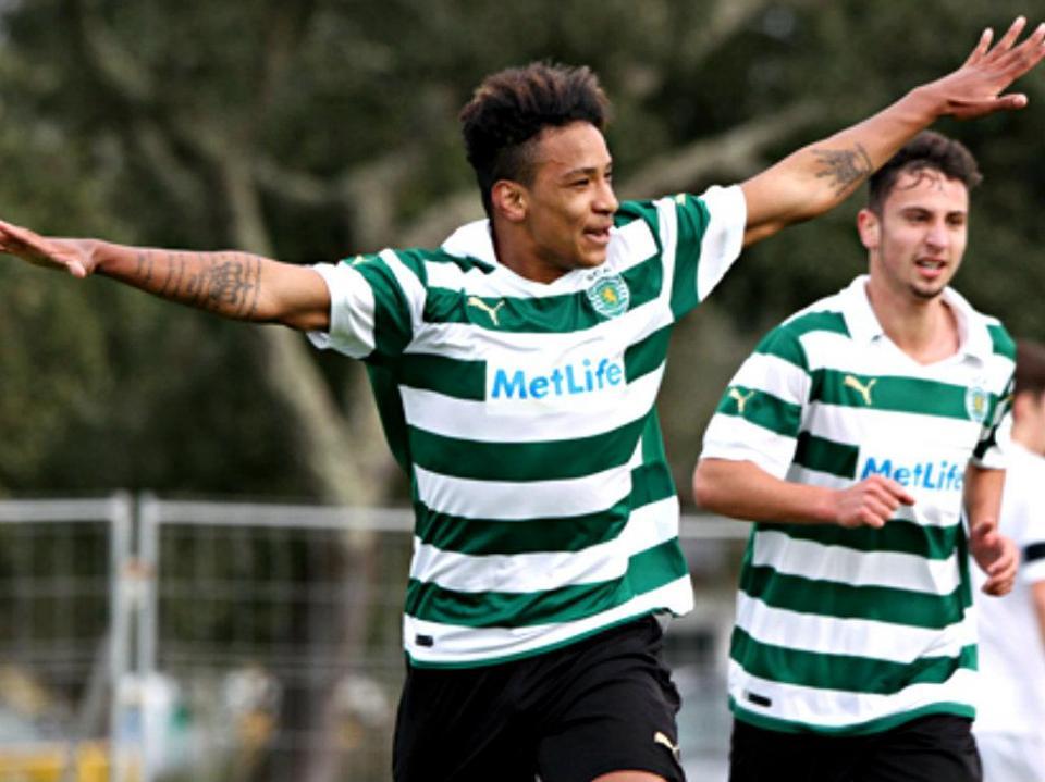II Liga: Sporting B dá pontapé na crise na Cova da Piedade (2-0)