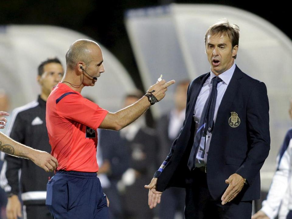 Técnico do FC Porto satisfeito com resposta dos reforços em Arouca d0b71a432046