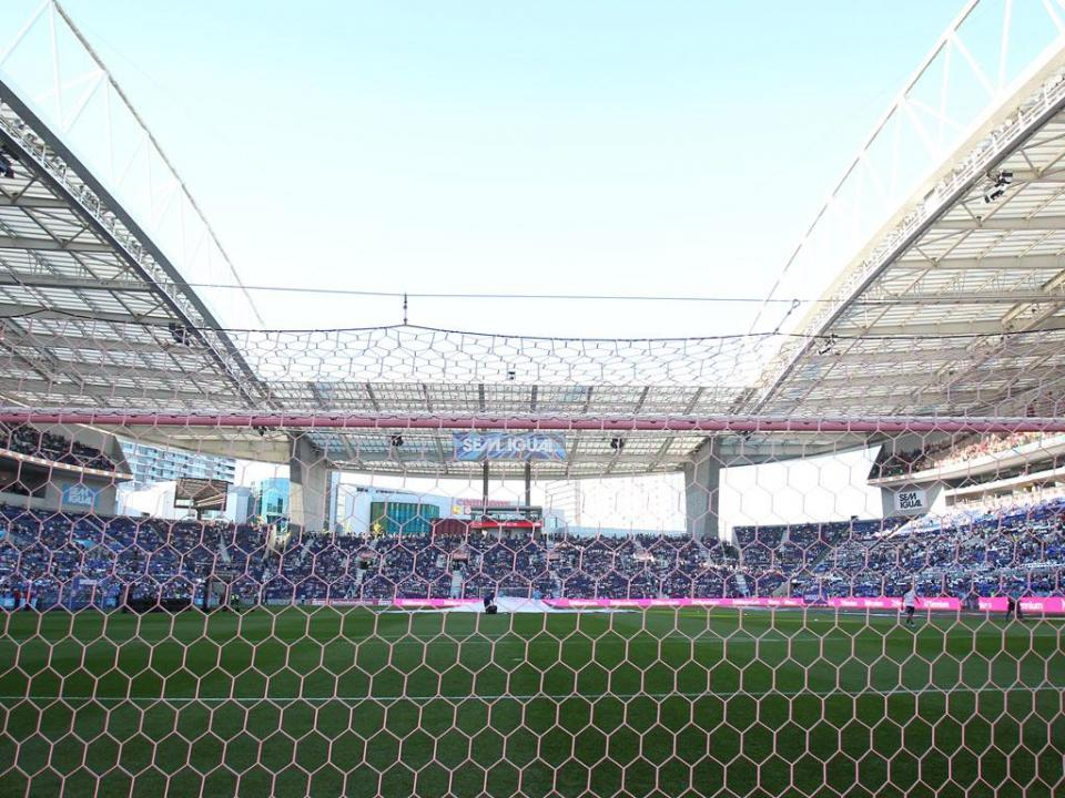 FC Porto: dez mil bilhetes vendidos para a receção ao Liverpool