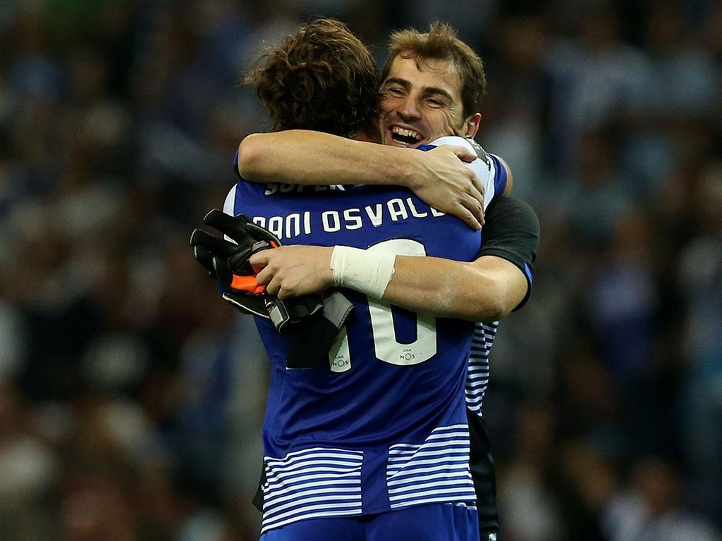 FC Porto: Casillas responde a quem estranhou festejos no clássico