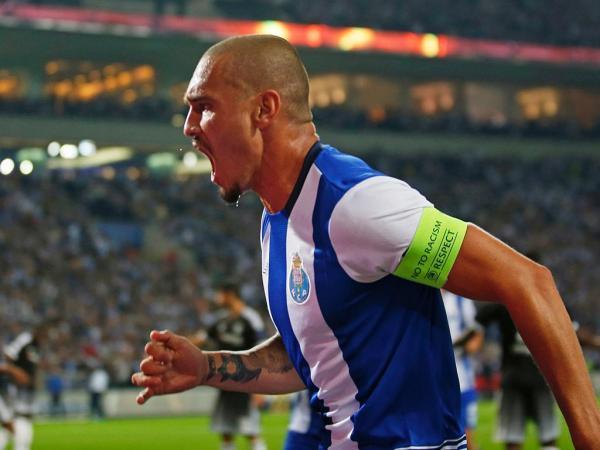 FC Porto: Maicon pediu desculpa ao grupo pela atitude