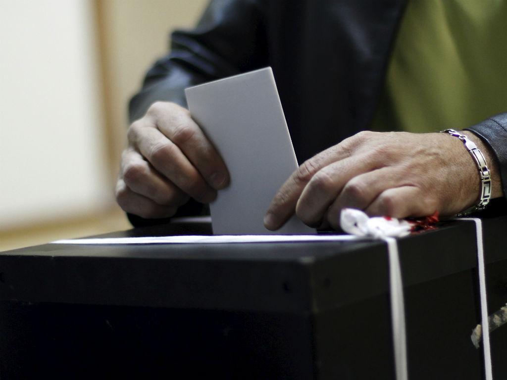 Governo quer proibir jogos em dia de eleições