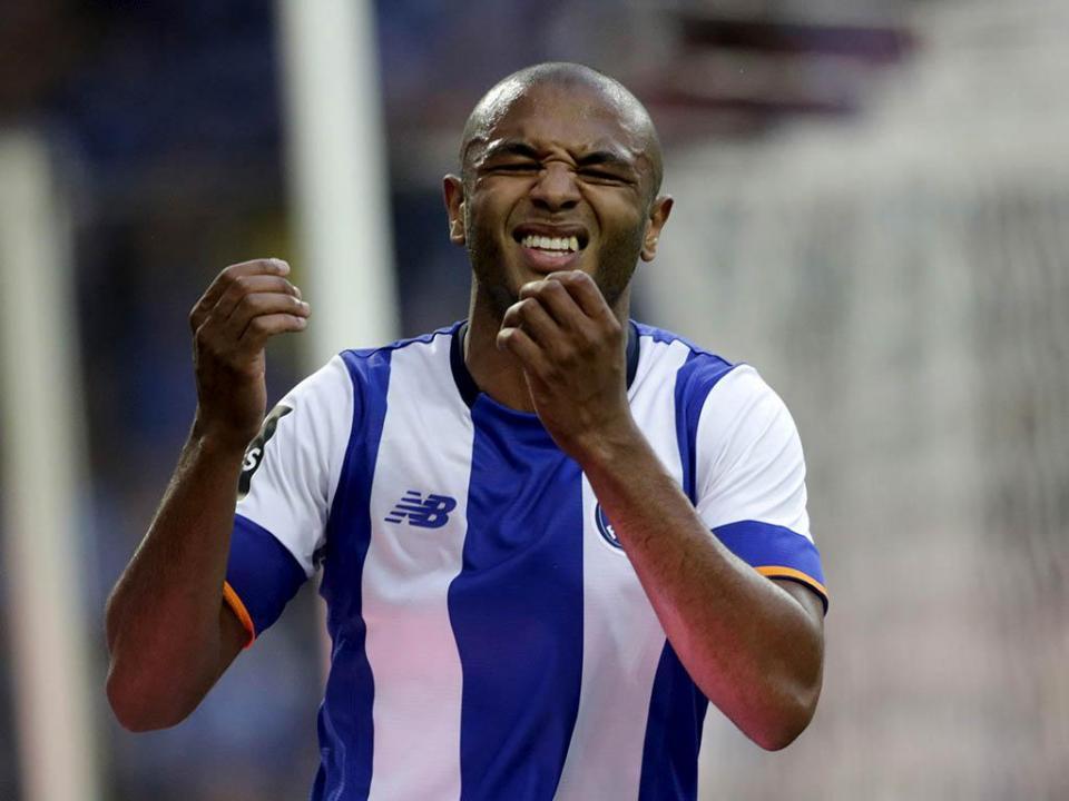 FC Porto: Brahimi nos cinco finalistas a jogador africano do ano