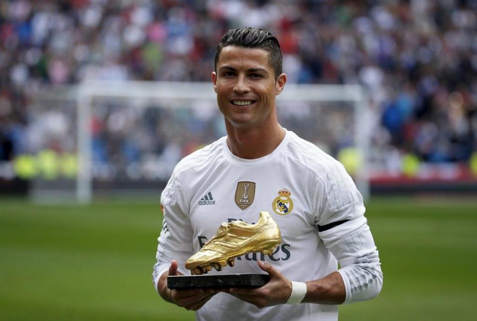 Cristiano Ronaldo é o único português na lista de 23 candidatos a melhor  jogador do ano 1365f26f31758
