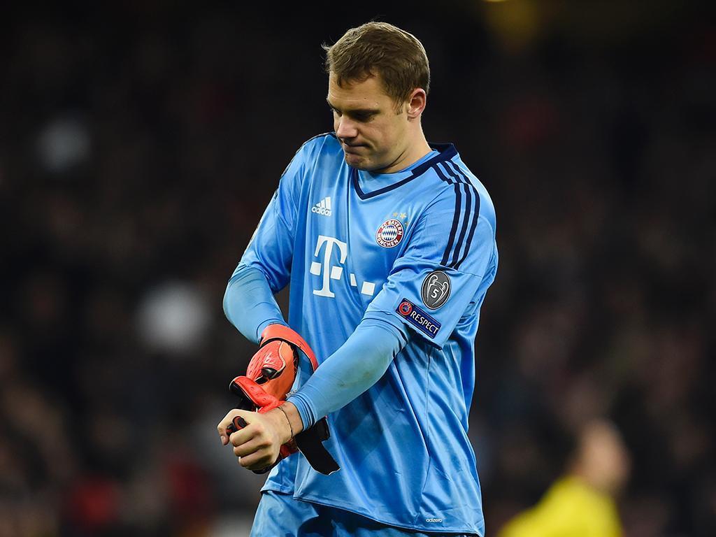 Neuer sujeito a uma operação só regressa à competição em janeiro
