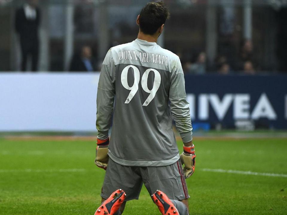 Itália: apito inicial, bola em Donnarumma e vitória da Sampdoria