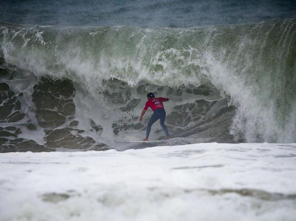 Surf: Vasco Ribeiro terceiro na etapa do circuito mundial de Peniche