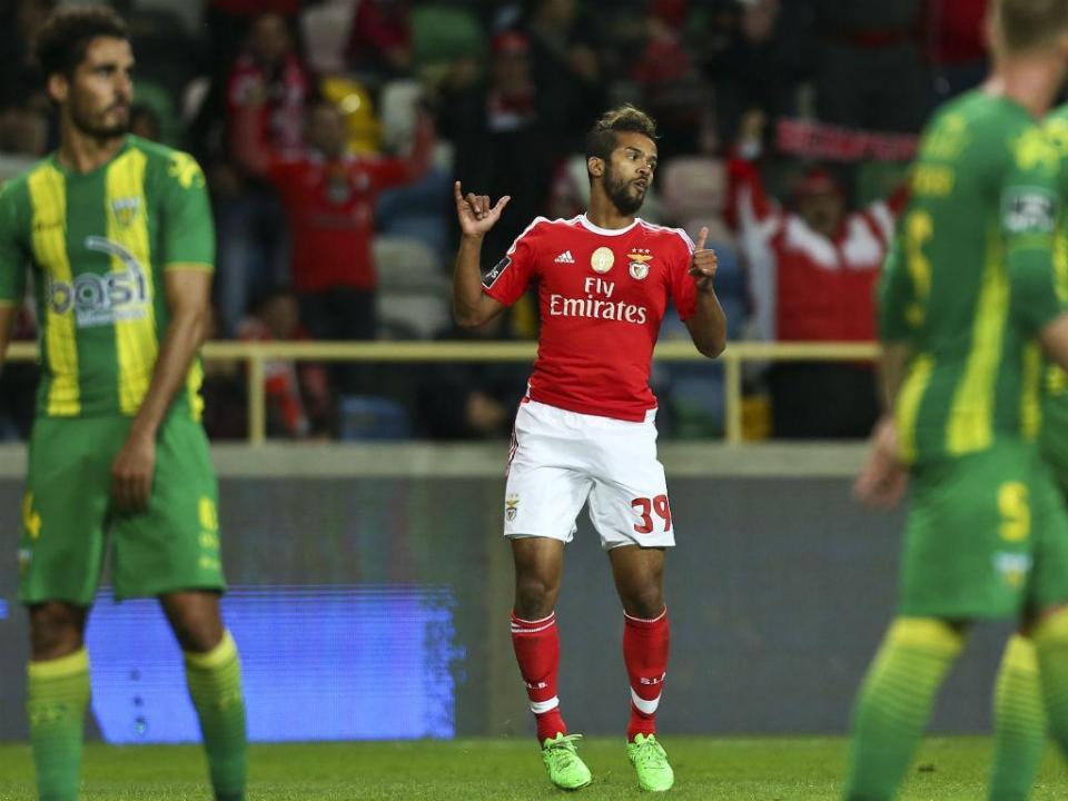 OFICIAL: Carcela em definitivo no Standard Liège