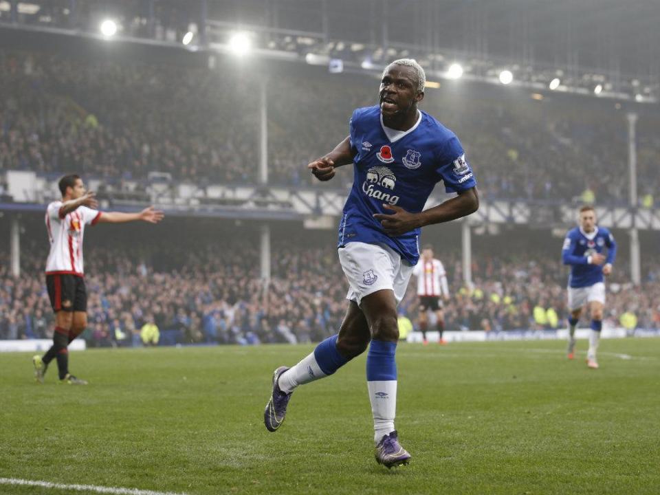 Everton castiga erros defensivos do Sunderland e vence por 6-2