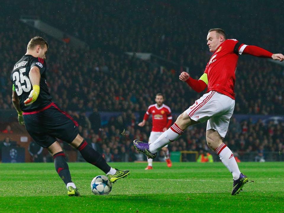 LC, Grupo B: Rooney dá liderança ao Man Utd