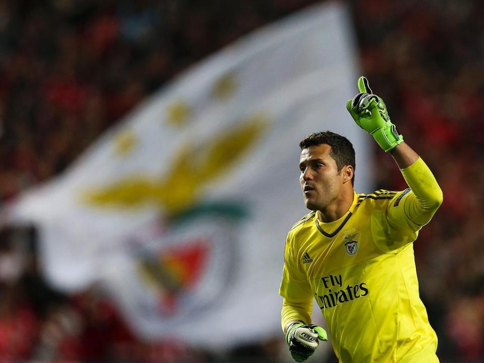 Julio Cesar recorda exigência de jogar no Benfica e o adeus à Luz