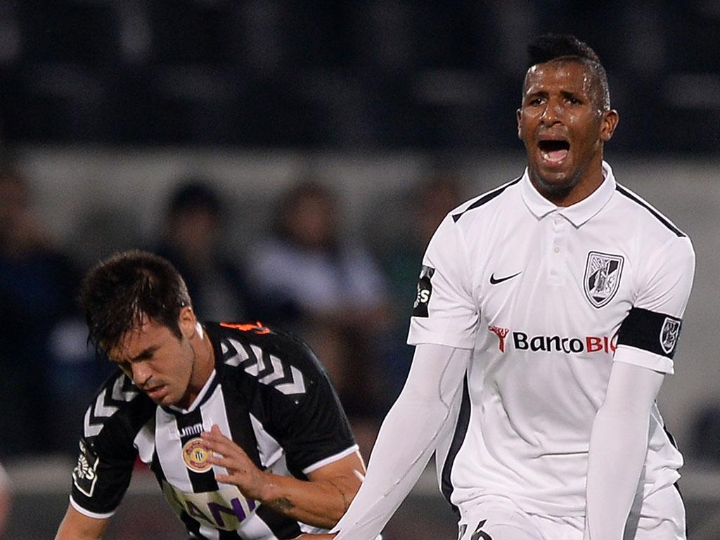 V. Guimarães tenta Cafú, mas Lorient põe travão