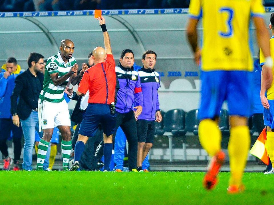 Sporting: Naldo com processo disciplinar e suspenso preventivamente
