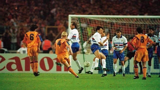 Anatomia de um golo: Koeman, Barcelona-Sampdoria, 1-0 (1992)