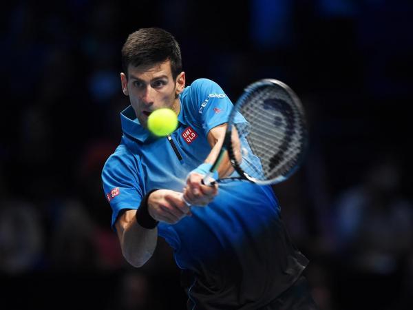 Djokovic comete 100 erros, mas avança após batalha de 4h32 na Austrália