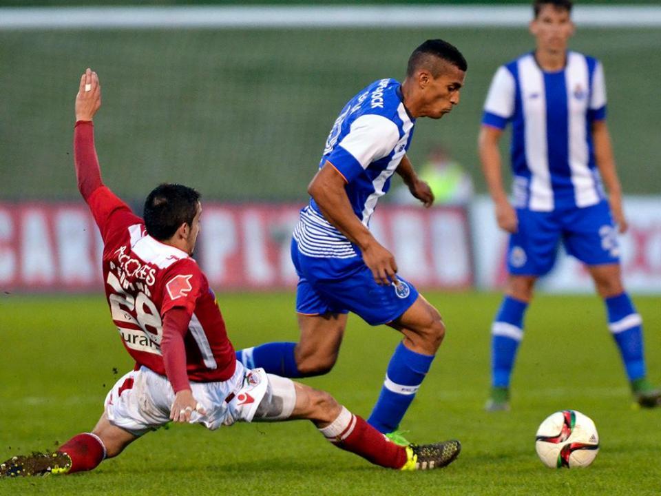 FC Porto empresta Victor Garcia ao Nacional