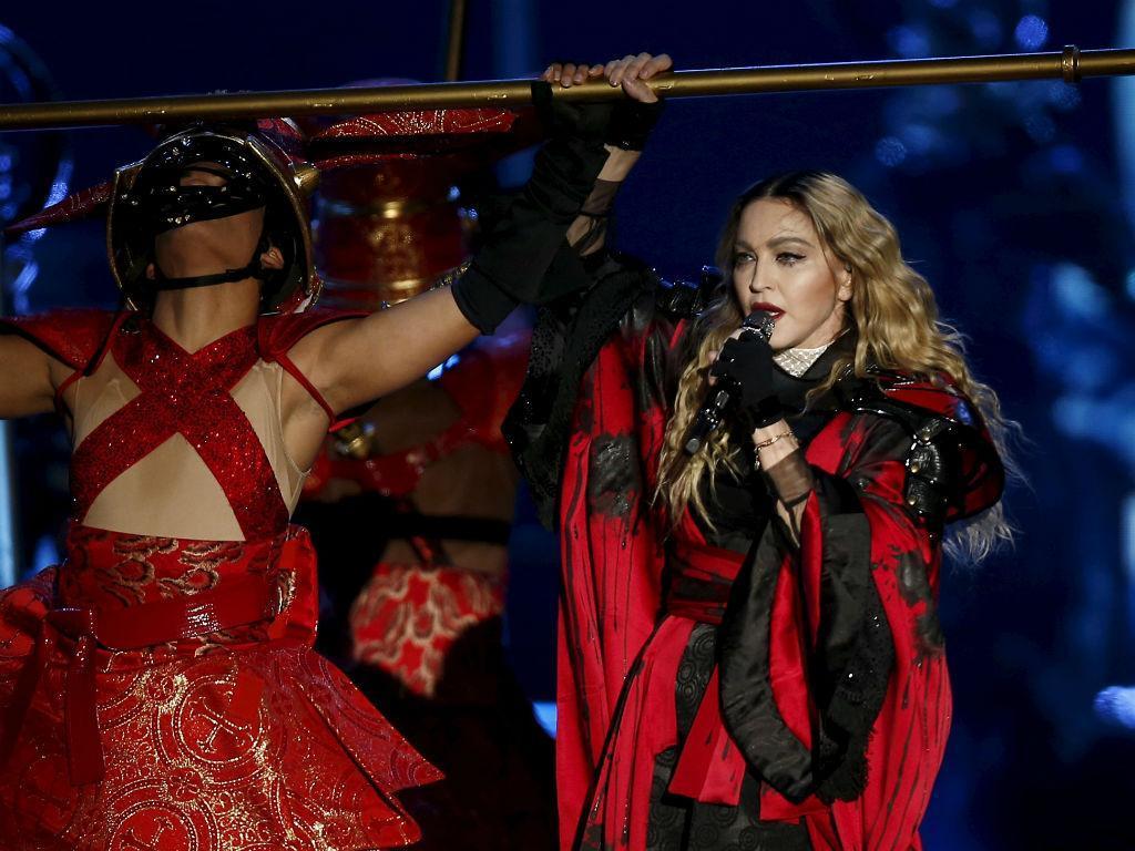Filho de Madonna treina no centro de estágios do Benfica