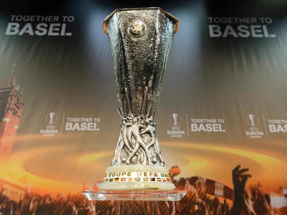 Nápoles-Leipzig no cartaz dos 16 avos da Liga Europa