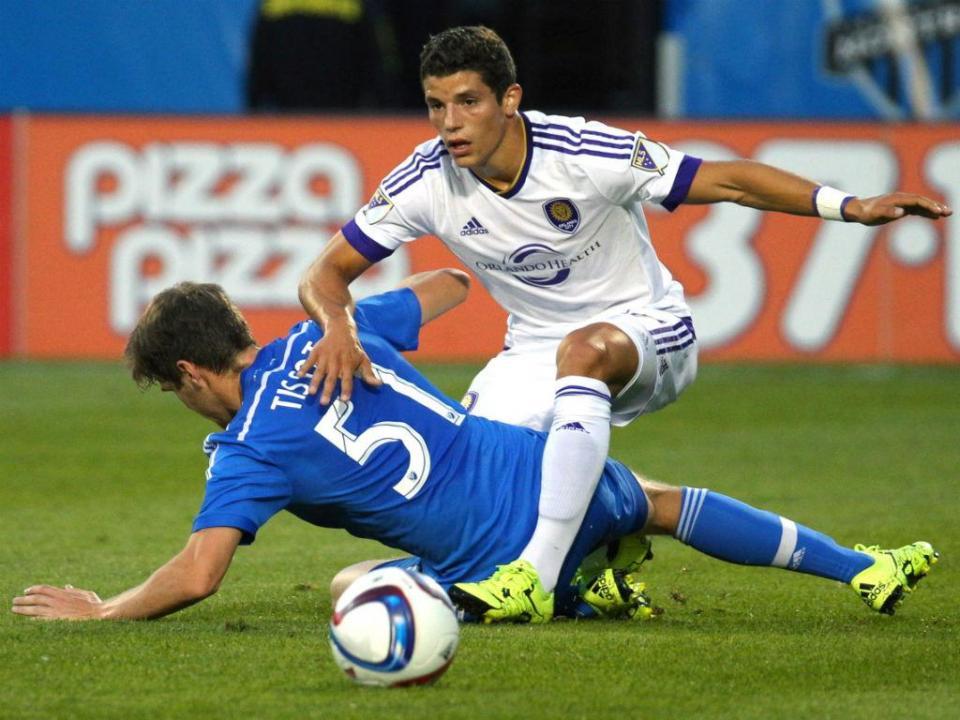 Rafael Ramos  o amigo português de Kaká que o Benfica enviou para a ... e506a66a434fd