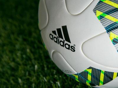 a6b6f2c92bb9d ... a nova bola da Liga ...