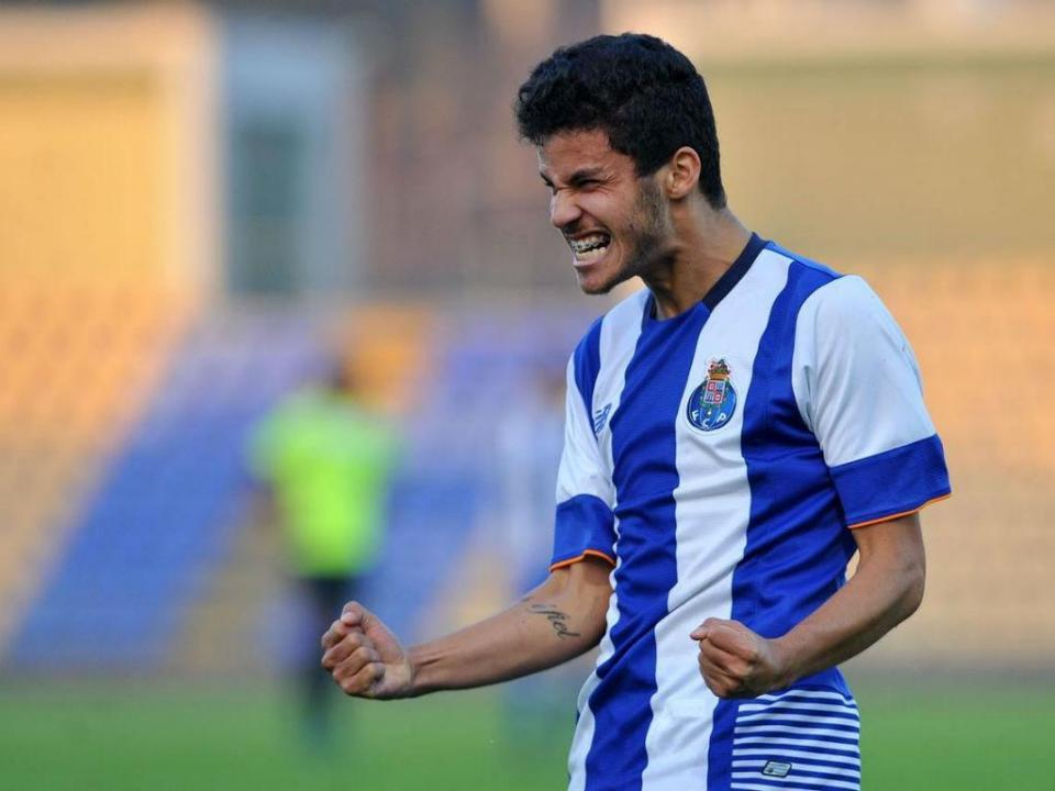 FC Porto B vence e convence contra a Académica com bis de Gleison