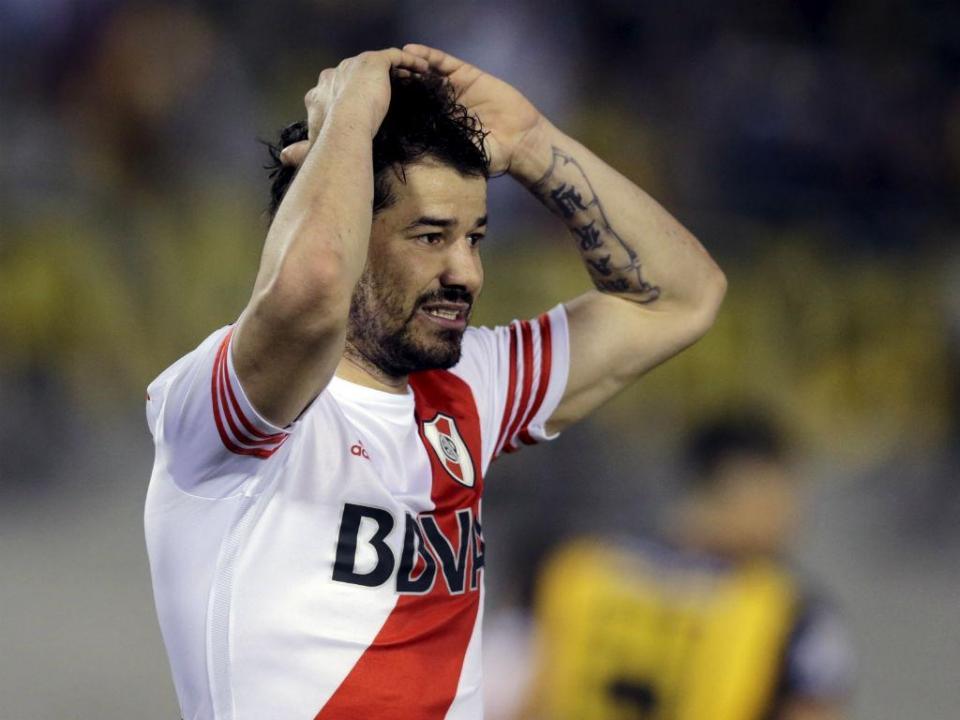 Ex-Benfica retira-se do futebol aos 31 anos: «Já não aguento mais»