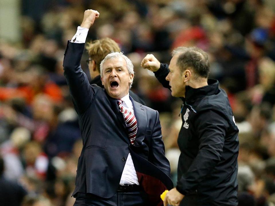 OFICIAL: Southampton renova com Mark Hughes por três épocas