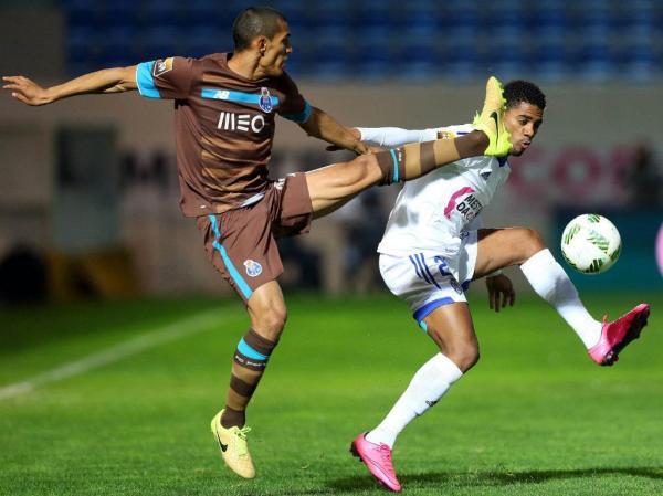 FC Porto perde ao intervalo com o Feirense (1-0)