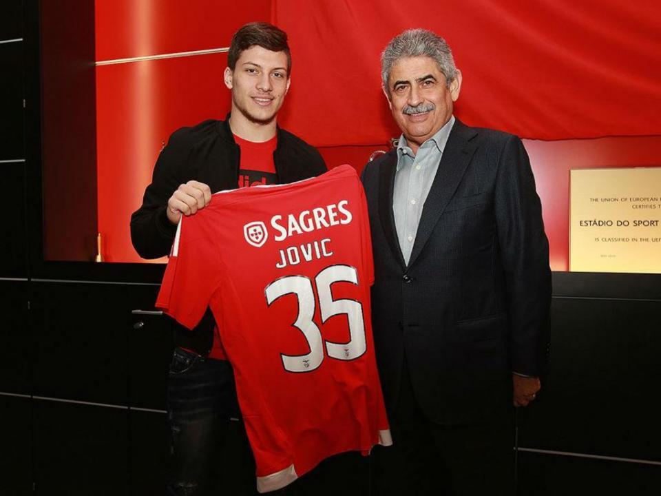 «Vamos exercer a cláusula de compra do Luka Jovic, isso está claro»