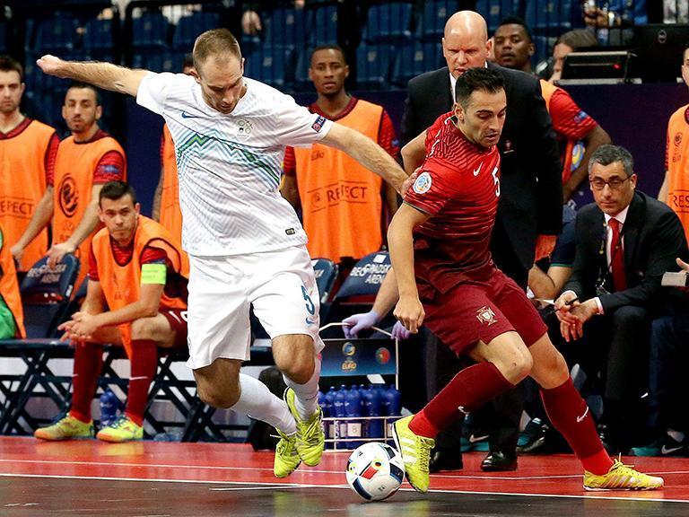 Futsal e0350faee9143