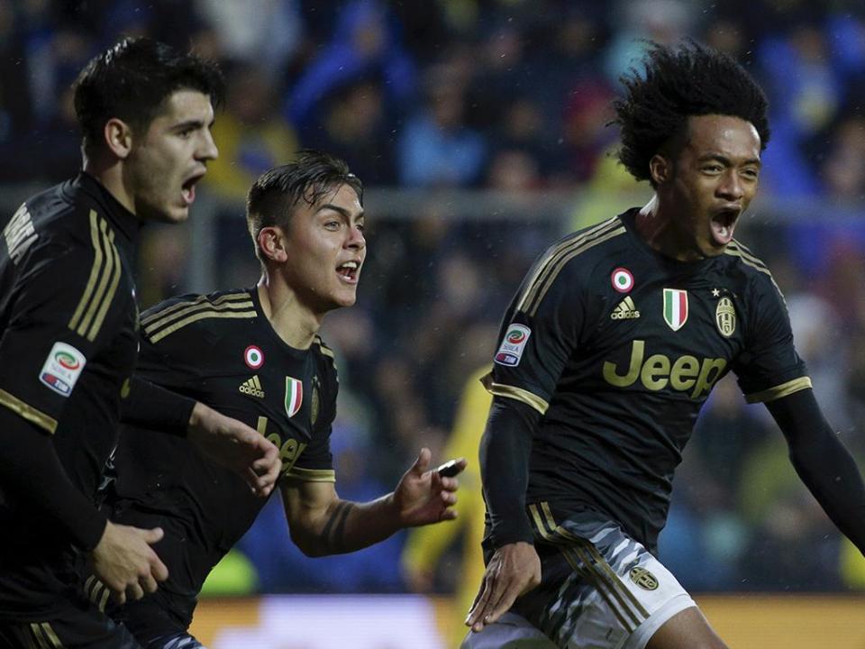Itália: Cuadrado reintegrado na Juventus três meses depois