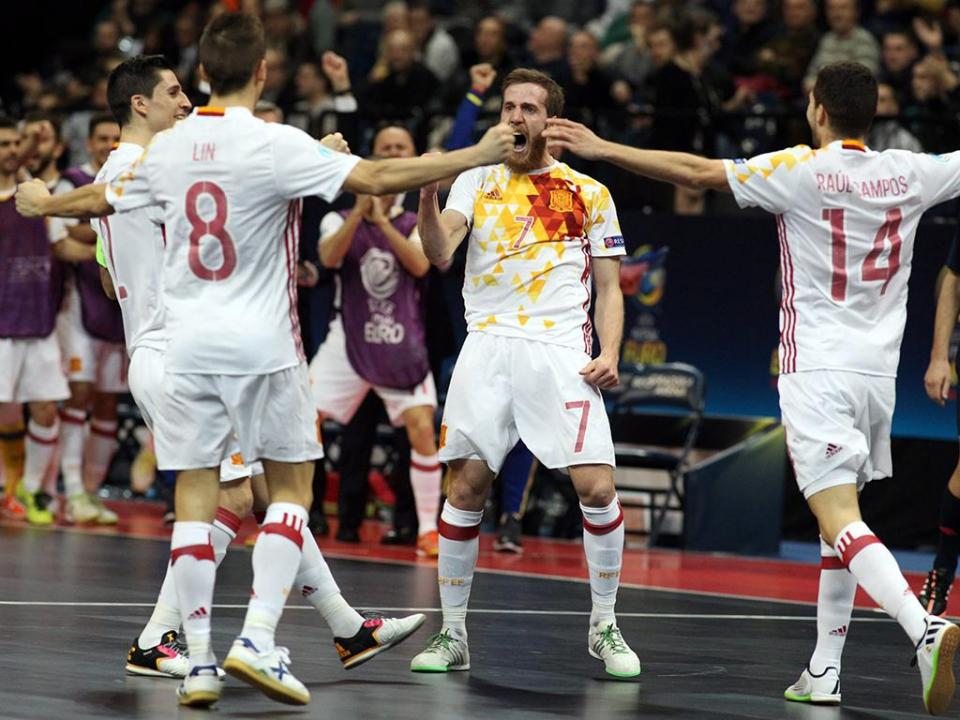 Futsal  Espanha conta com Lozano e Fernandão para play-off com Eslovénia bf3948d51f2a9