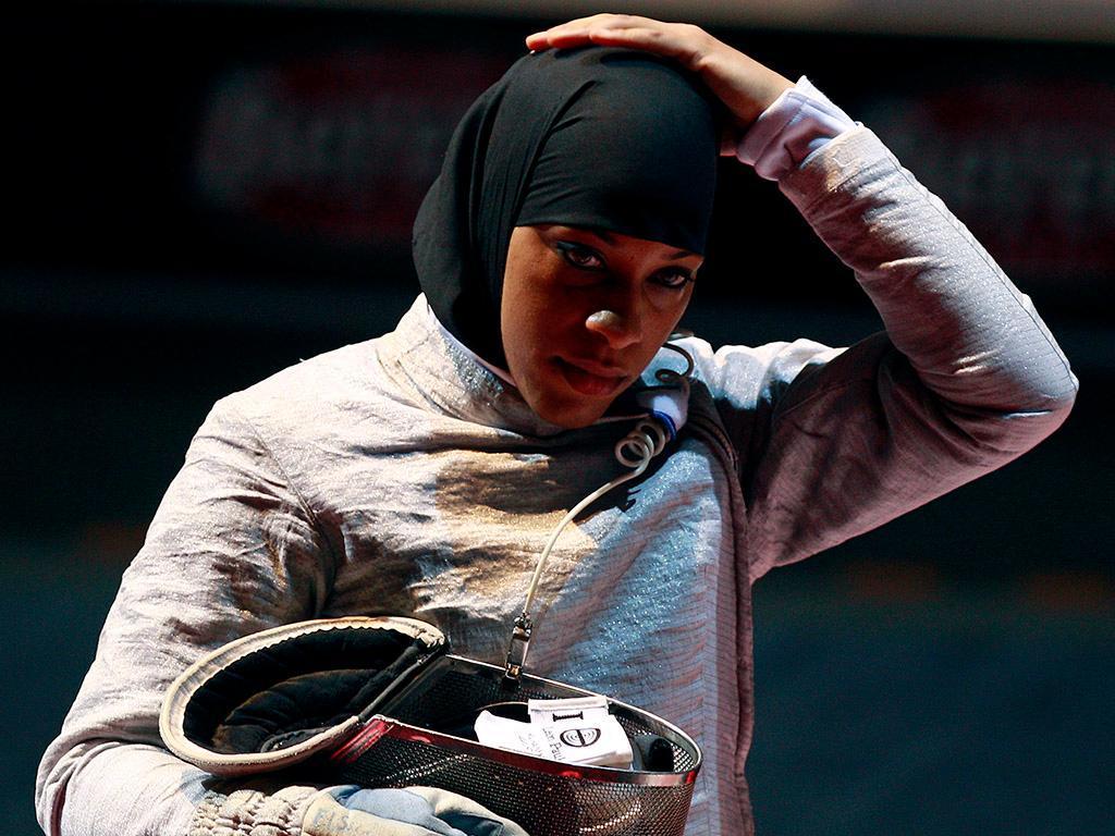 É a nova estrela dos EUA porque usa o véu islâmico