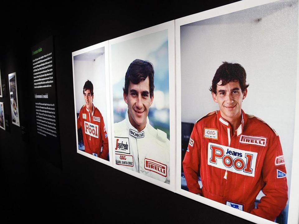 FOTO: Corinthians apresenta camisola de homenagem a Ayrton Senna