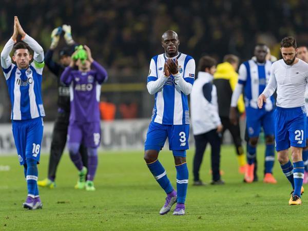 Dortmund-FC Porto: Peseiro esteve em risco de perder o único central que tinha