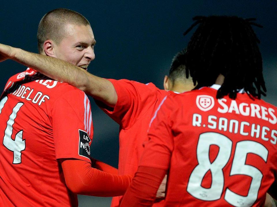 Benfica: Lindelof celebra primeiro golo pela equipa principal