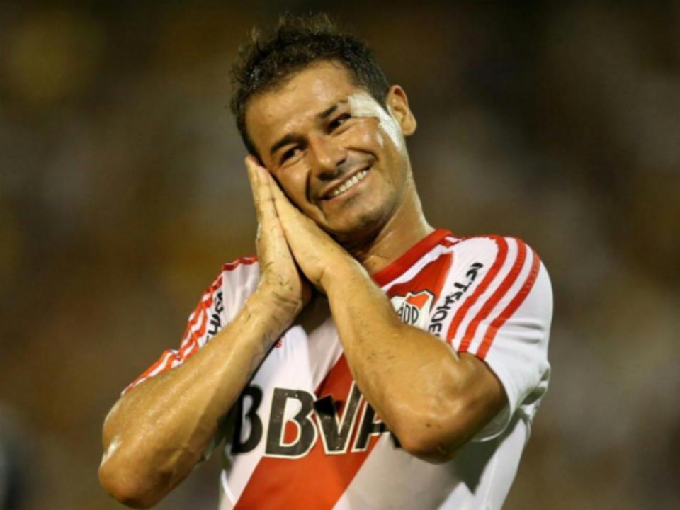 Ex-Benfica vai renovar com o River Plate