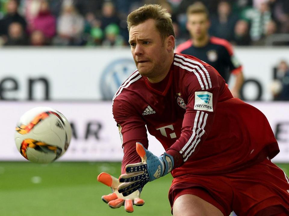 Neuer treinou pela primeira vez com bola desde setembro