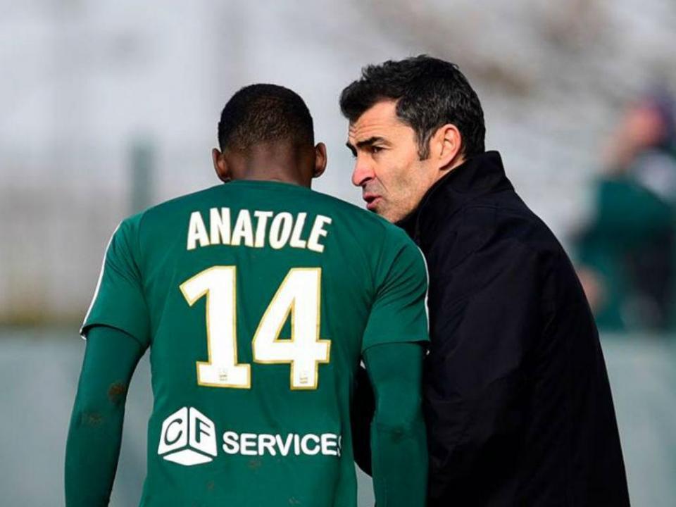 França: Red Star de Rui Almeida empata na primeira jornada
