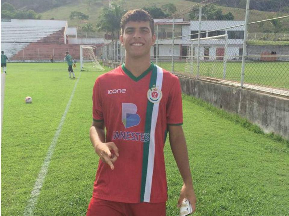 Chama-se Wembley Balacov e sonha jogar no Sporting