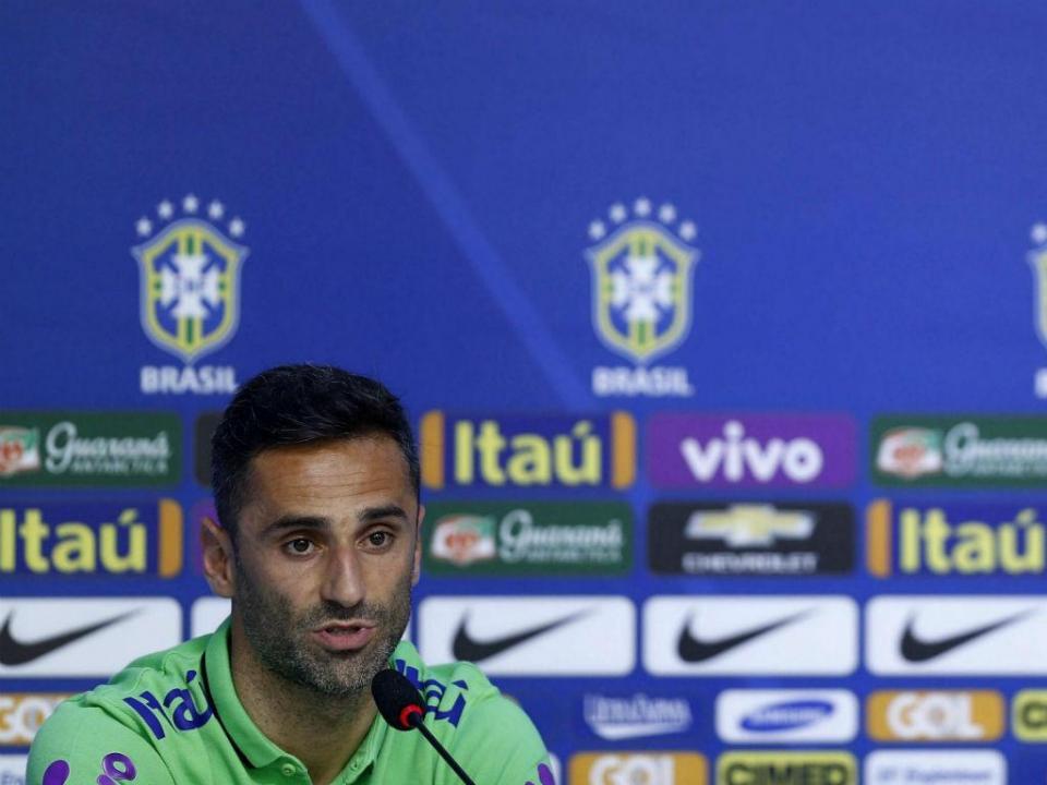 VÍDEO: Jonas entrou e Brasil evitou derrota no Paraguai