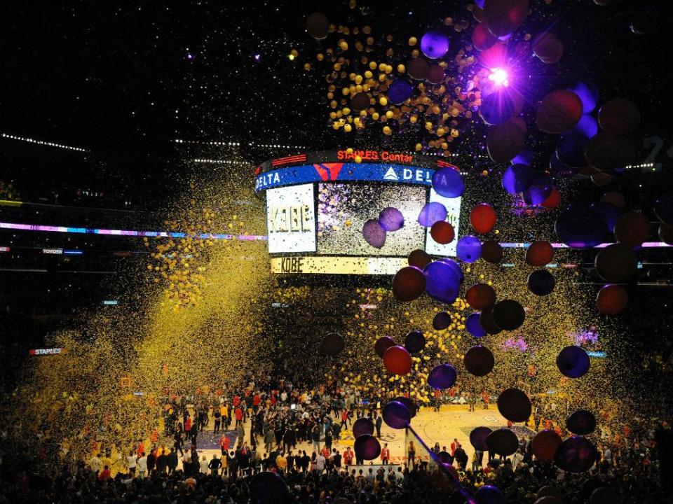 LeBron James já é oficialmente dos LA Lakers